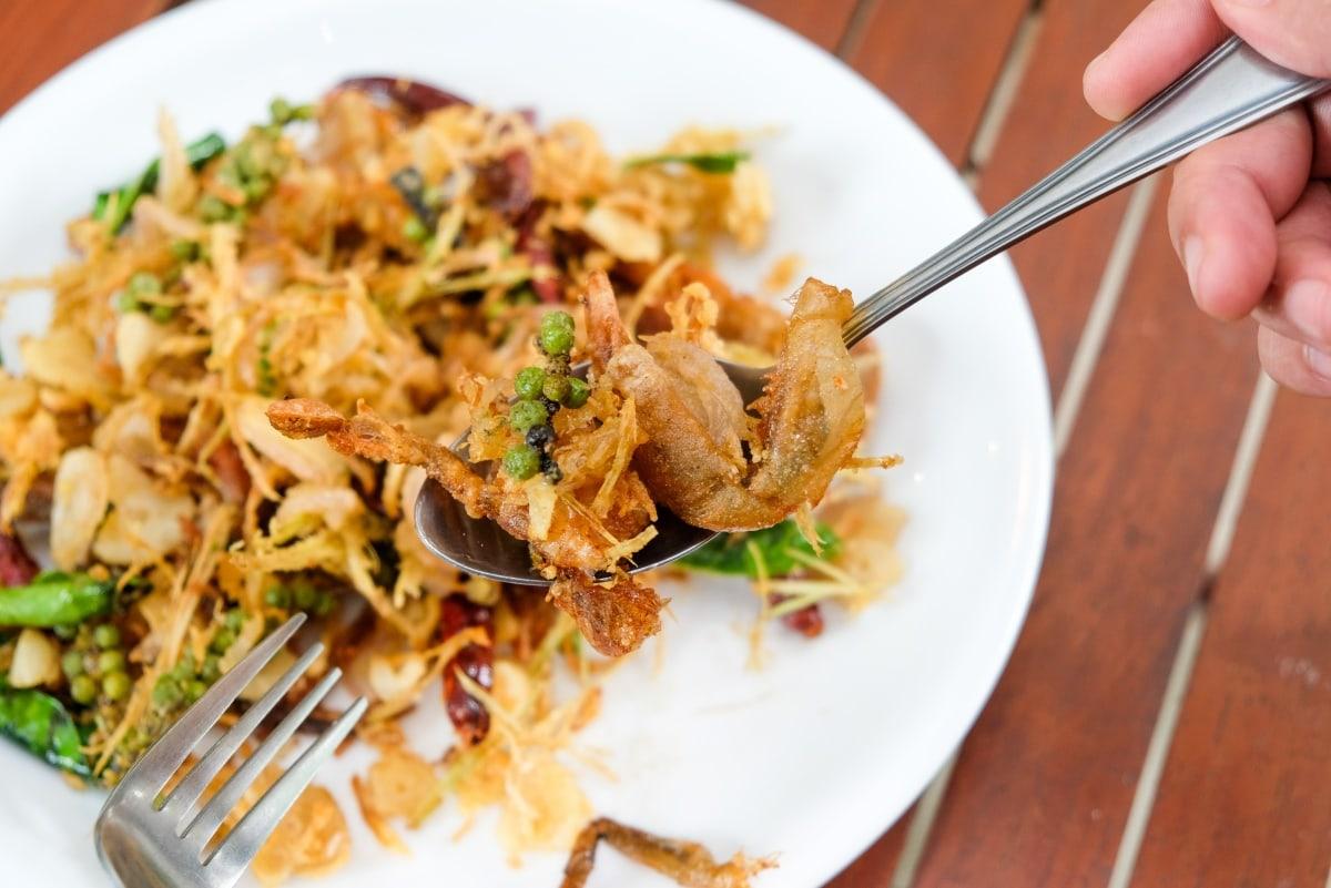 review-great-fish-menu-5-restaurants-nakhon-phanom-isan-thailand-3