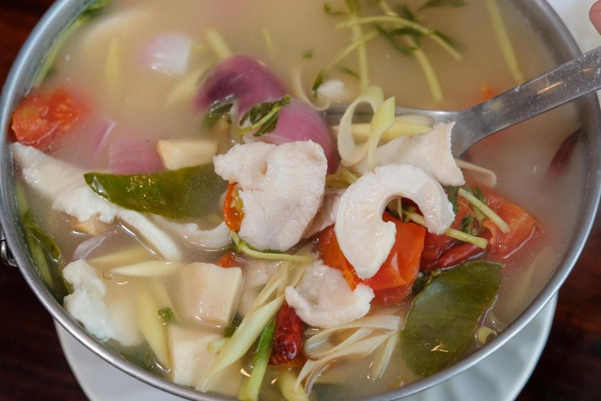 review-great-fish-menu-5-restaurants-nakhon-phanom-isan-thailand-59