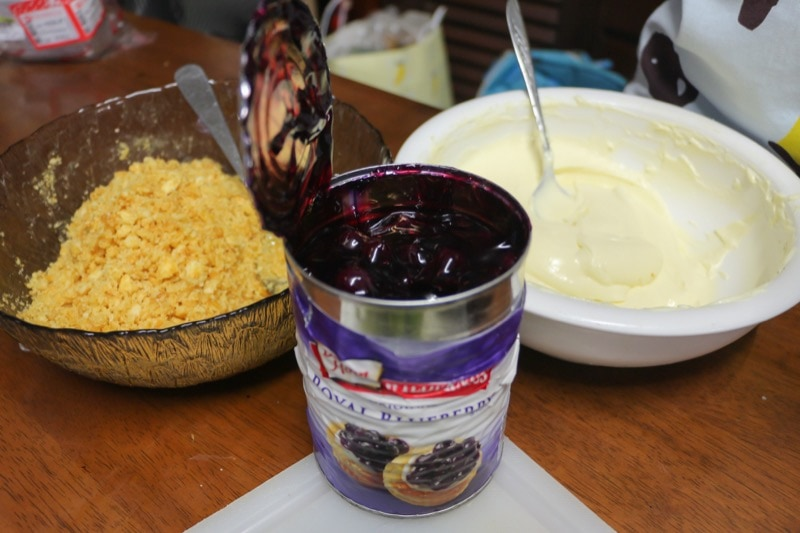 cooking-blueberry-cheese-pie-17