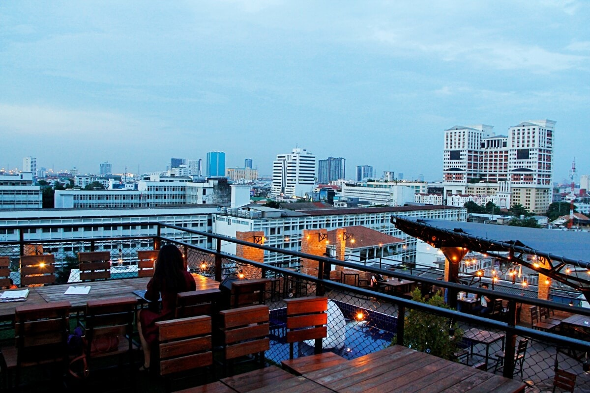review-722-craft-experience-rooftop-bar-and-restaurant-3