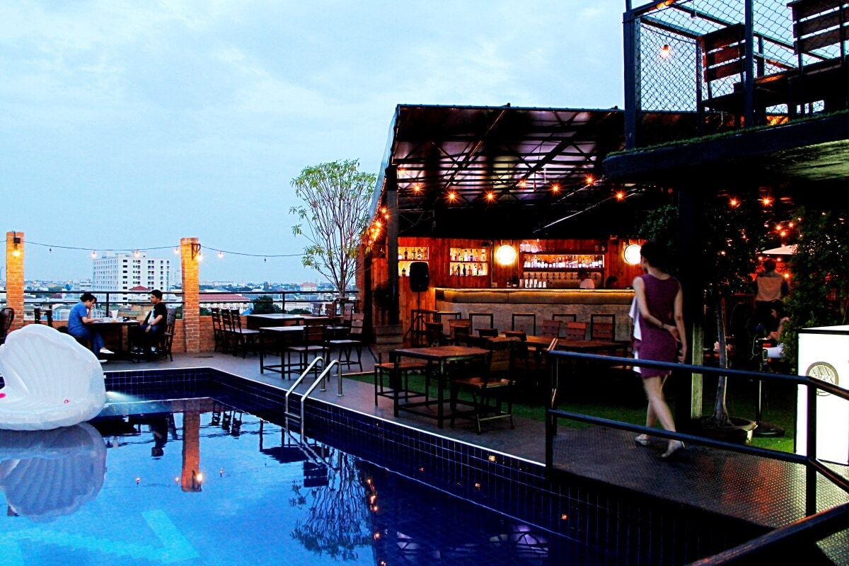 review-722-craft-experience-rooftop-bar-and-restaurant-4