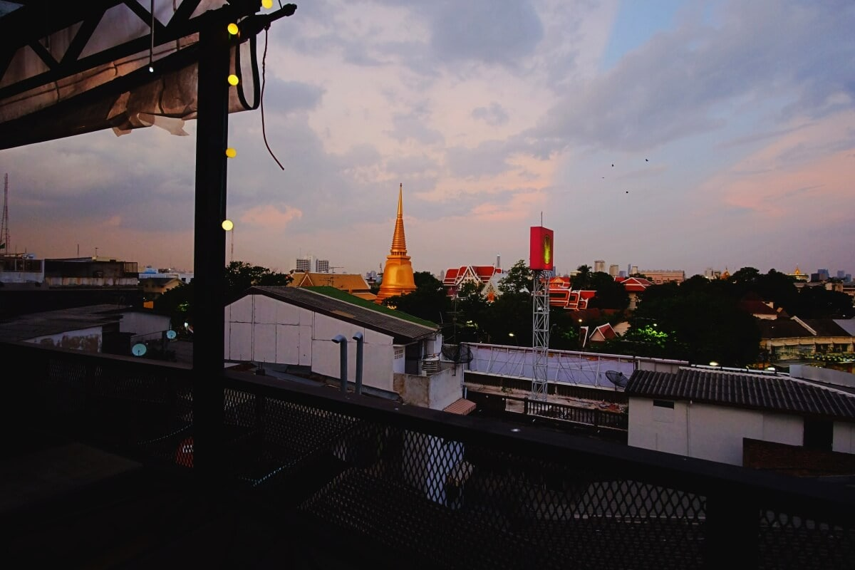review-at-mosphere-rooftop-cafe-24