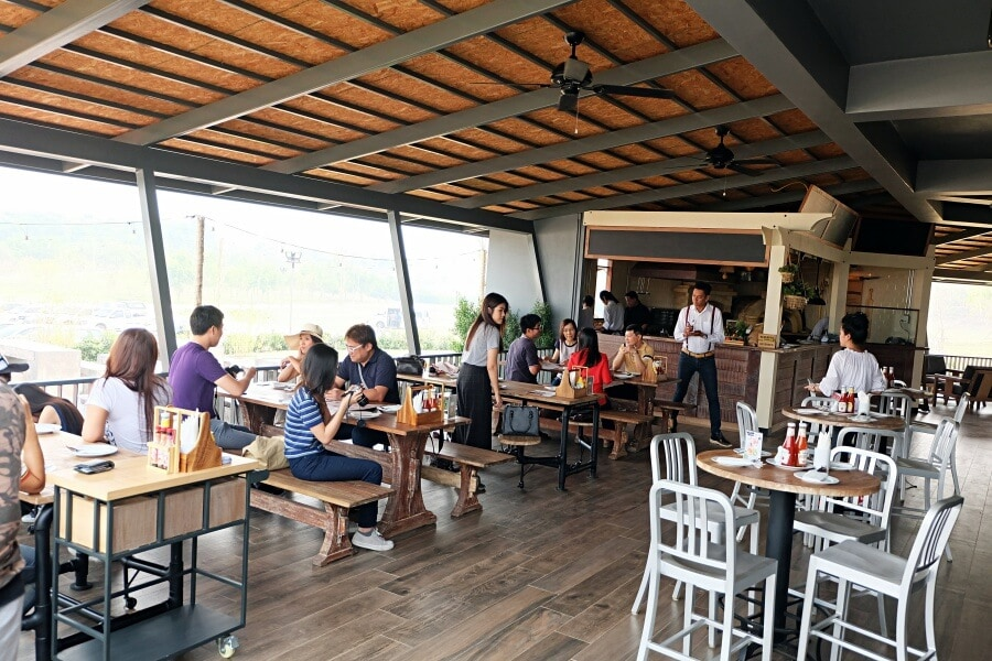 review-barn-house-pizzeria-at-singha-park-16