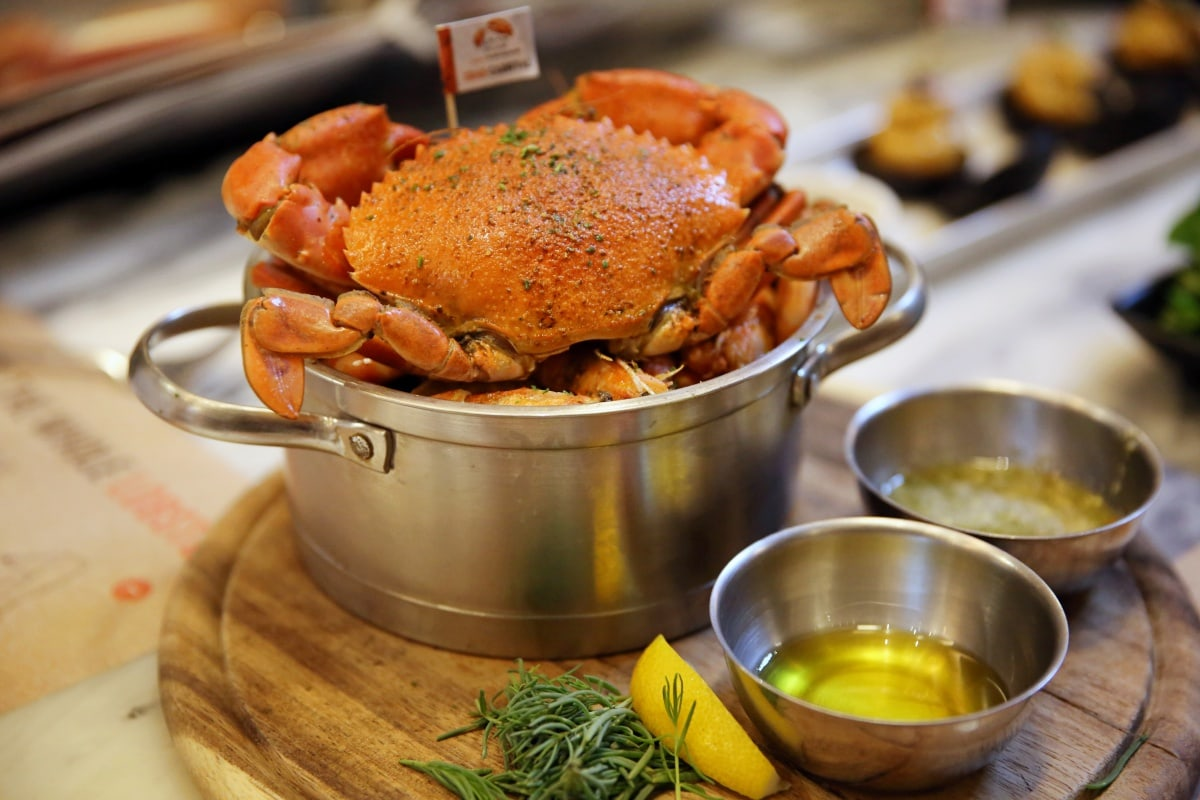 review-crab-carnival-crab-buffet-at-crab-and-claw-38
