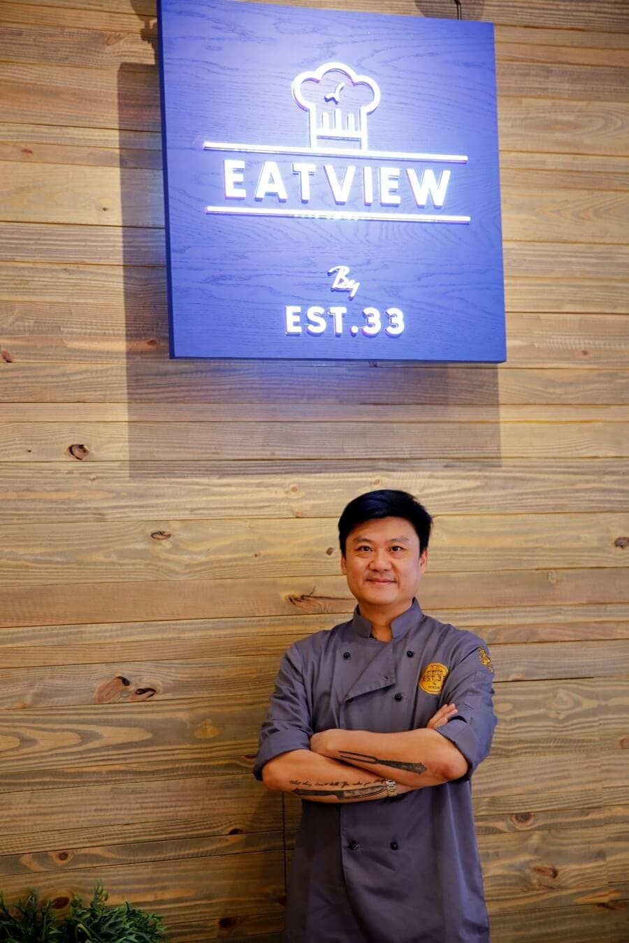 review-eatview-by-est-33-at-blu-port-with-singha-75