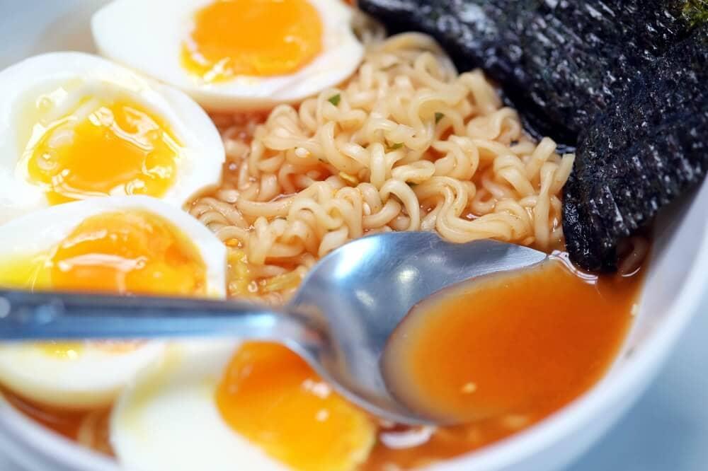 review-mama-ramen-spicy-miso-15