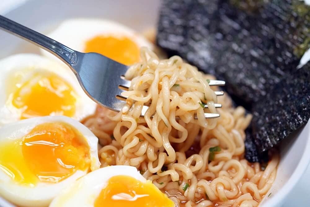 review-mama-ramen-spicy-miso-17