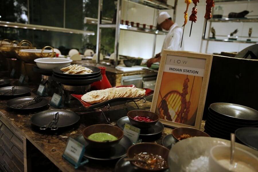 sunday-brunch-buffet-at-flow-restaurant-millennium-hilton-41