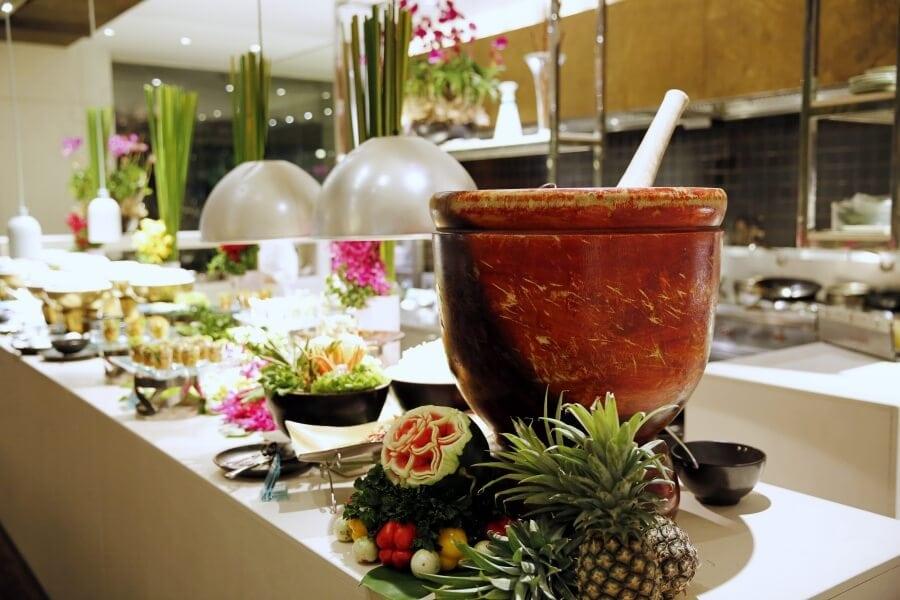sunday-brunch-buffet-at-flow-restaurant-millennium-hilton-54