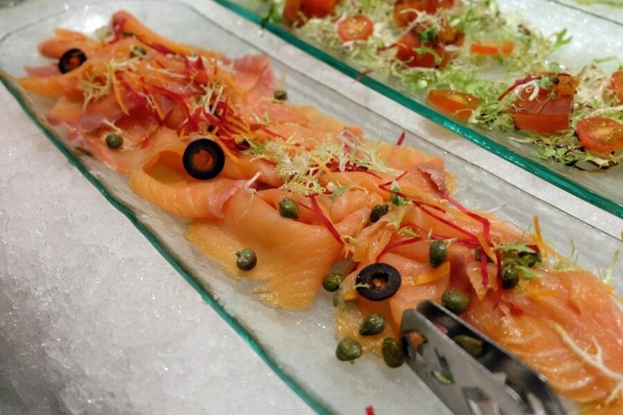 sunday-brunch-buffet-at-flow-restaurant-millennium-hilton-84