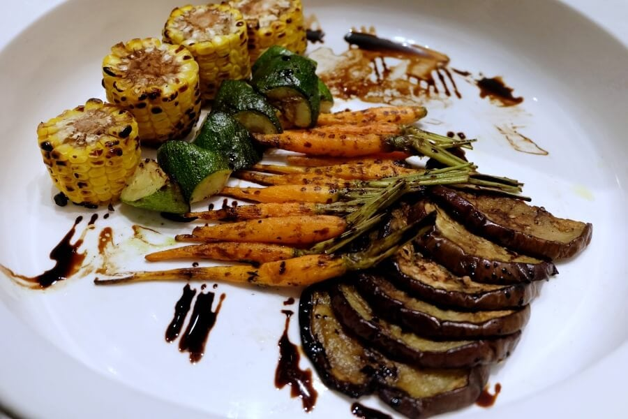 sunday-brunch-buffet-at-flow-restaurant-millennium-hilton-88