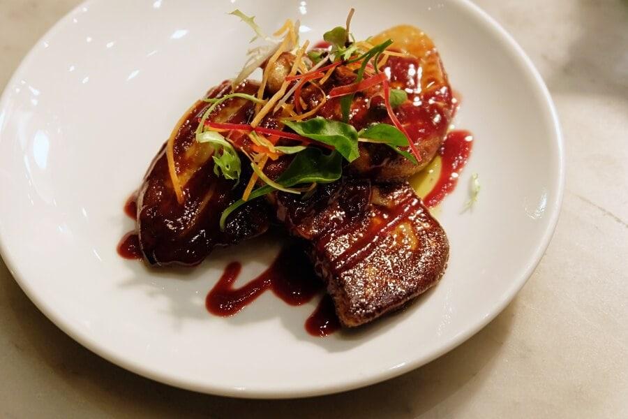 sunday-brunch-buffet-at-flow-restaurant-millennium-hilton-90